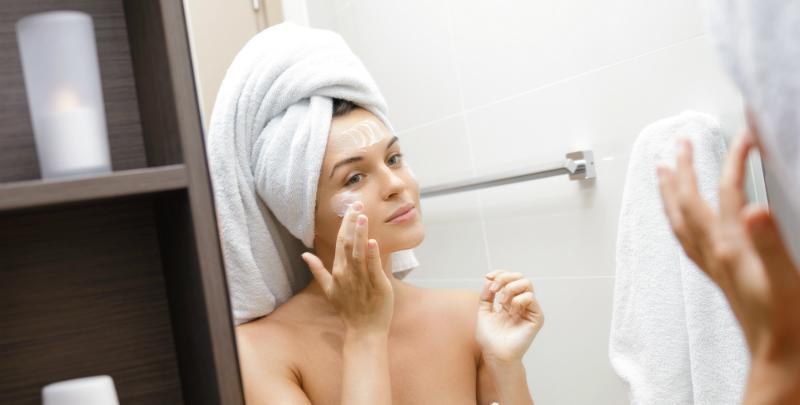 Cremes helfen bei Falten im Gesicht