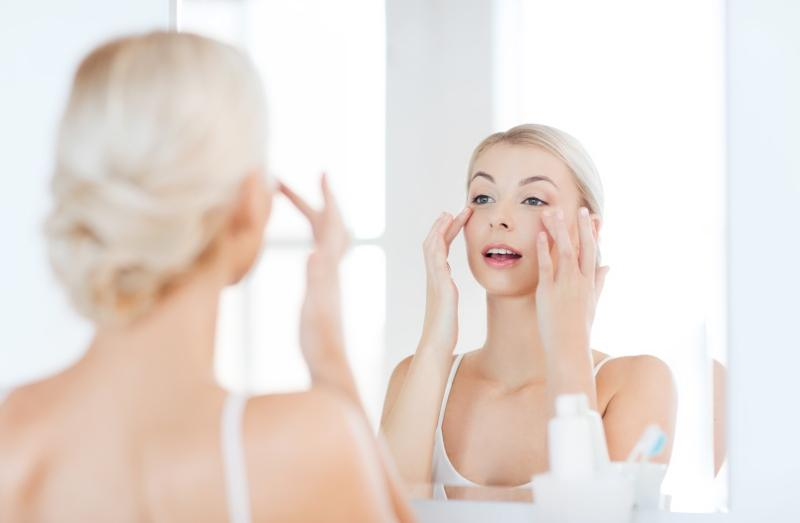 Augenringe vermeiden und kaschieren