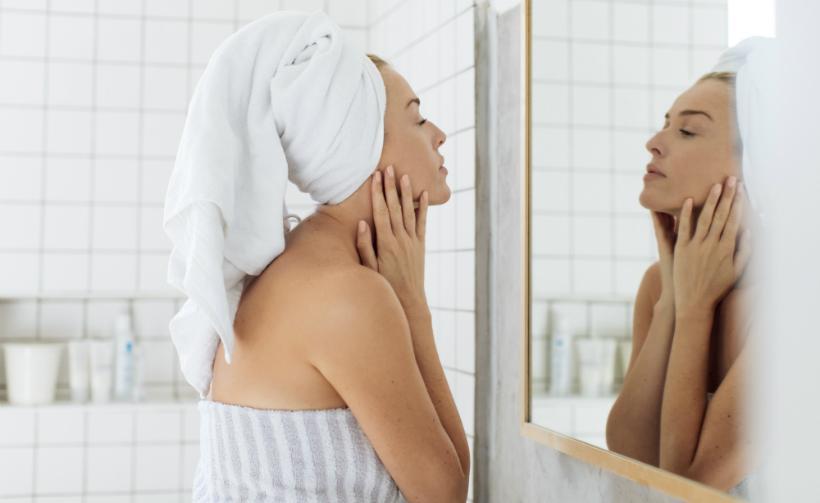 Die Hautpflege nach der Dusche ist wichtig