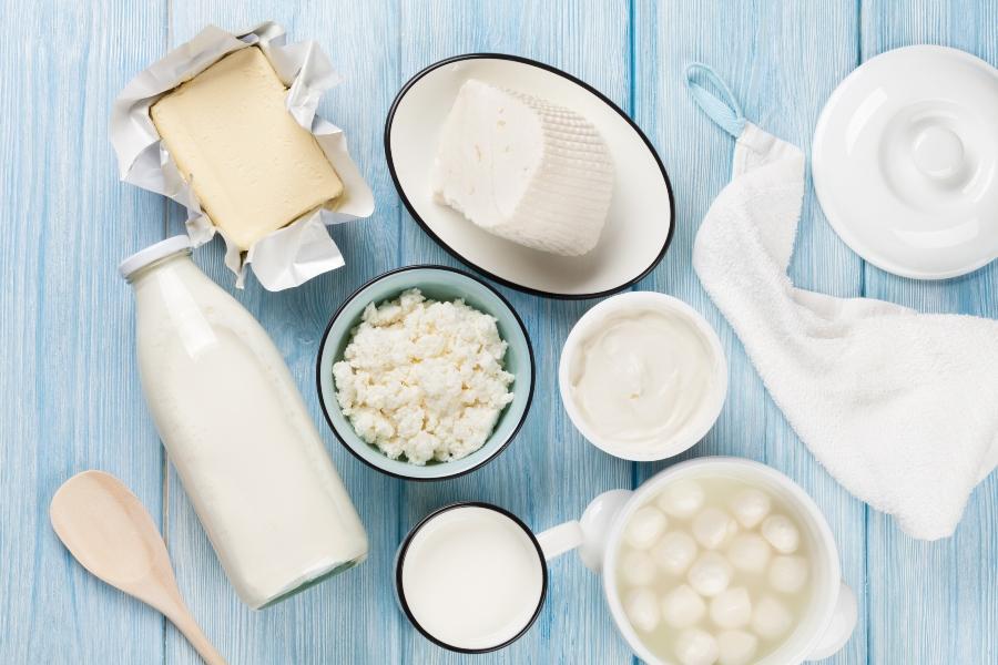 milchprodukte-milch-und-akne